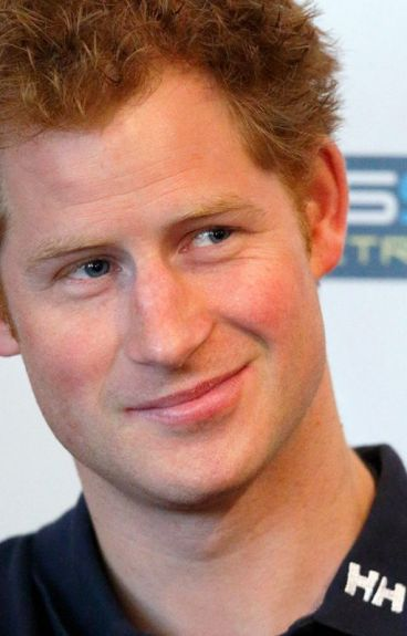 Summer in Scotland (Prince Harry fanfiction)