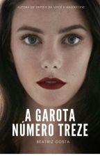 A garota número treze by labeaenrose