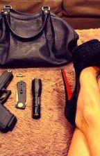Dans la peau d'une fille d'un chef de gang [Nouvelle Édition] by InconitoPoto_