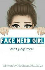Fake Nerd Girl by MedhianaMaulidya