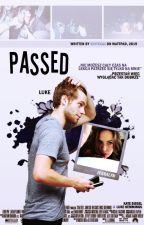 {zawieszone} passed | luke hemmings by vitecal