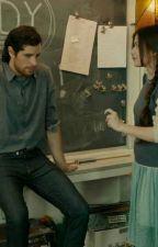 Uczennica zakochana w nauczycielu by Maryla_15