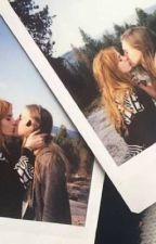 Instagram lesbian.- Bella thorne  by camrenisreal6