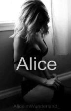 Alice by AliceimWunderland_