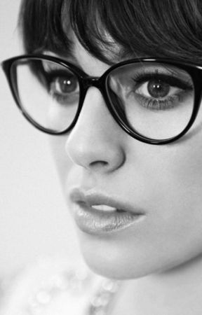 Fingiendo ser nerd by Saraelallaoui
