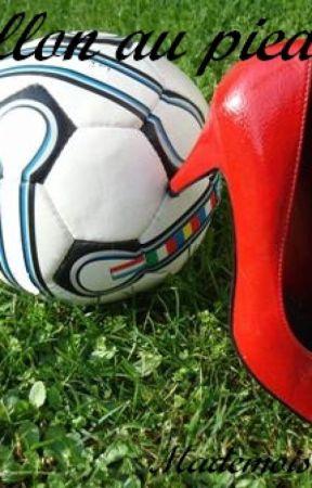 Le ballon au pied by mademoiselleasuki
