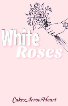 White Roses ※ Cake  by CakesArrowHeart