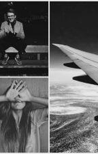 They met in plane / Kovy by Klaraa_