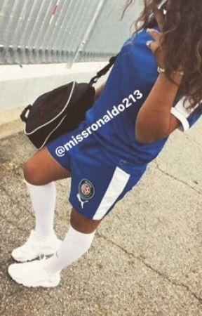 Inaya:footballeuse love d'un thug by missronaldo213