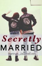 Secretly Married by hannashiiii
