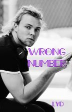 Wrong number~lashton texting~ by LashtonLikesToParty