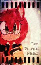 Luz Cámara Nerd (Sonamy) by Mona-fer