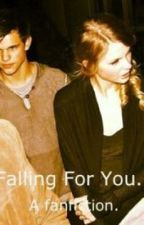 Falling For You. [a taylor Squared Story] by klossysunshine