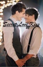 Secret Love Kiss|L.S by femkealoserij