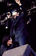 Crazily In Love (Frerard)[COMPLETED] by theycallmegabriel
