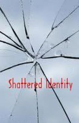 Shattered Identity (ELEMENTAL saga Vol. 1)