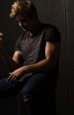 \\ IN LOVE WITH A BAD BOY // [Max Thunderman x reader] by NightmareSkull