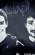 Clap! [Vodkmixem](En réécriture) by iampowalmighty