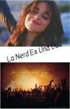 La Nerd es una DJ?(Camila Cabello y Tu) by misterio3008
