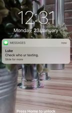 Check who ur texting.[l.h] #wattys2017 by AnHarris29