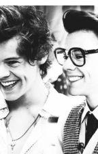 Hinter jedem Nerd steckt ein hübscher Junge ( Harry styles) by JaniStyles