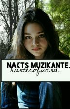 Nakts Muzikante.  by hunterofwind