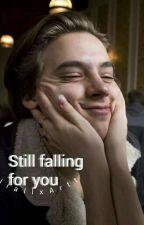 Still falling for you; muke by NiallxArtt
