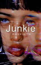 Junkie by maskierte