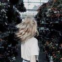 Lay >.<
