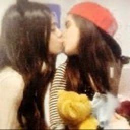And camila kissing lauren Lauren Jauregui: