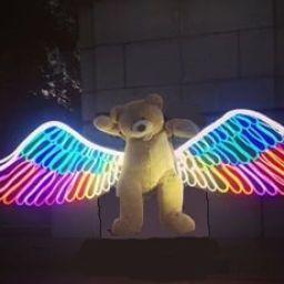 Neon-Wings