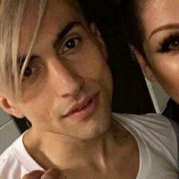 36-letni mężczyzna spotyka 21-letnią kobietę